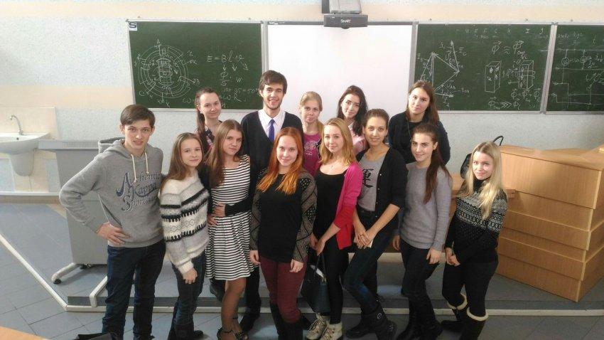 kak-studenti-pyut-i-gulyayut-video