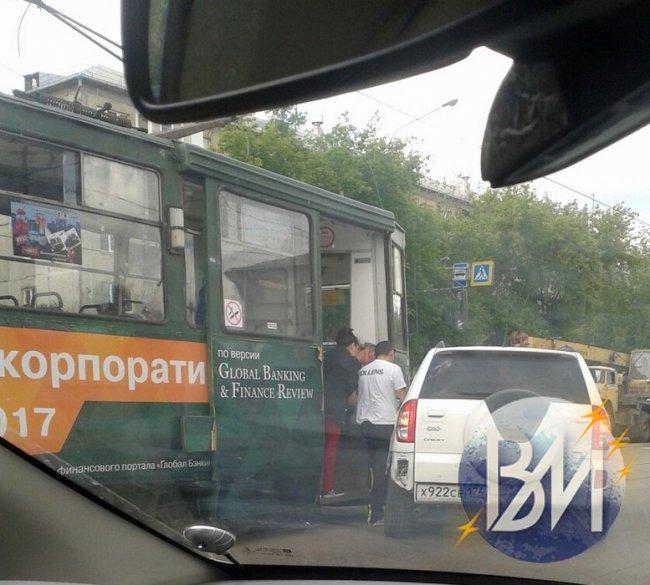 Не поделили пешеходный переход...