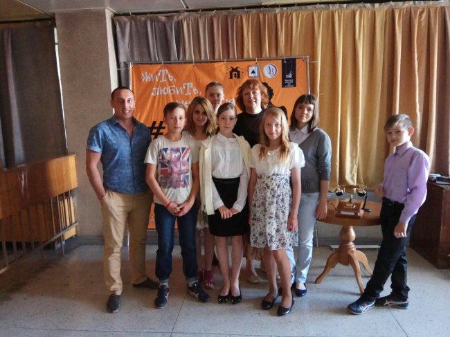 Режиссёр Пускепалис получил подарок от магнитогорской молодёжи