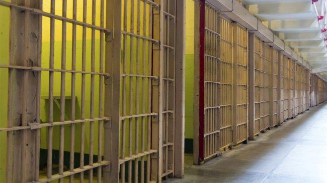 Прокуратура негодует: заключённые не работают