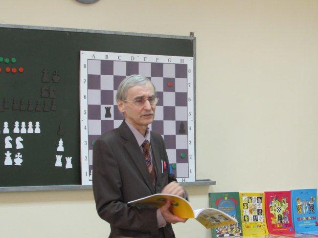 Кто из первоклашек засядет за шахматную доску?