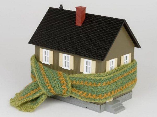 Зачем красивый дом одеялом укутали?