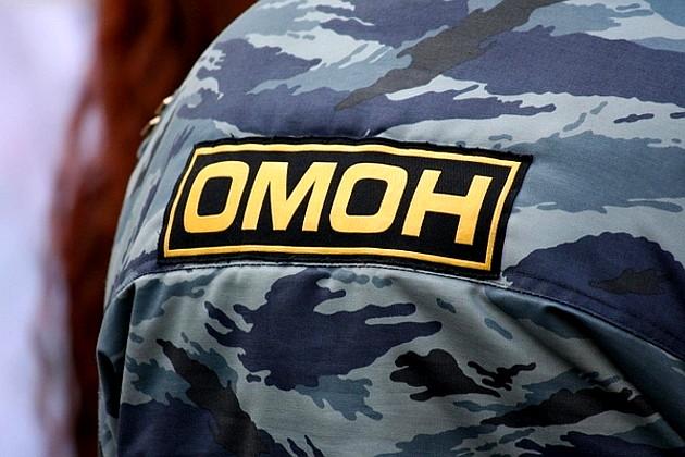 Возле ОМОНа сбили человека
