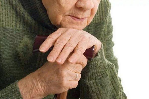 Стариков ограбили почти на 200 тысяч