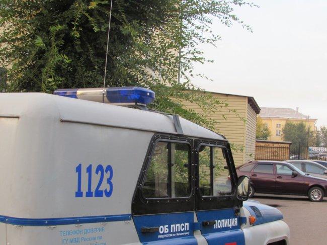 Водитель такси обокрал клиента