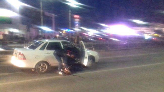 На перекрёстке водителя вытащили из машины