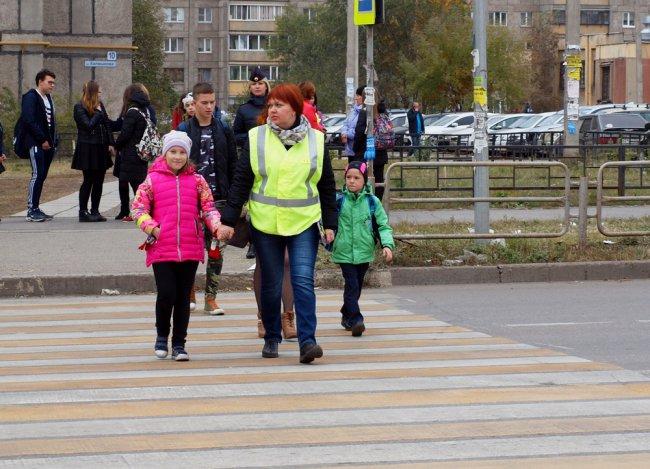 Пешеходные переходы охраняет «Родительский патруль»
