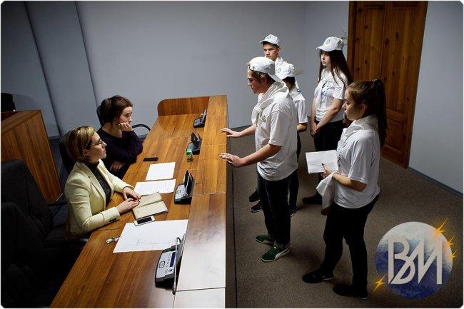 Молодёжь хочет прогуляться по «коридорам власти»