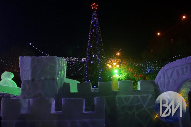 Город готовится к Новому году
