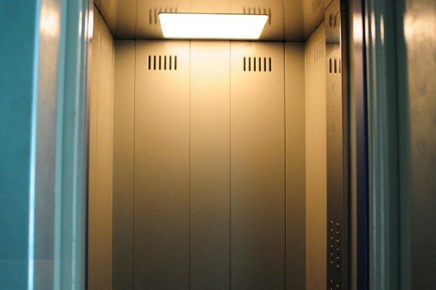 Лифт был установлен с нарушениями