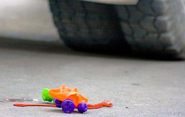 Пятилетний ребёнок попал под колёса