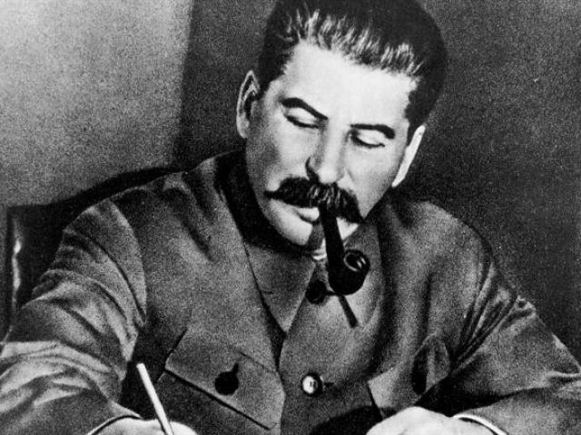 Трубкой Сталина проверяли первый магнитогорский чугун