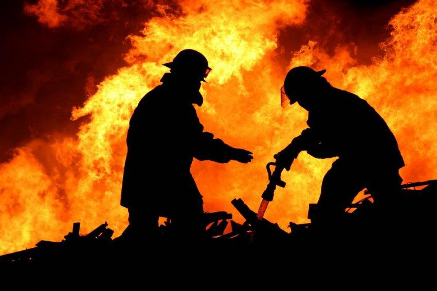 Пожар спалил сто тысяч рублей