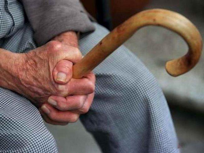 Дедушка избил пристава тростью