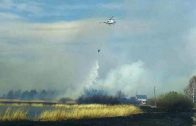 К тушению пожара привлекли авиацию
