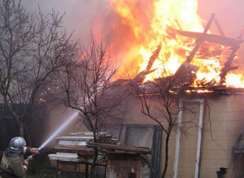 Садовый домик выгорел полностью