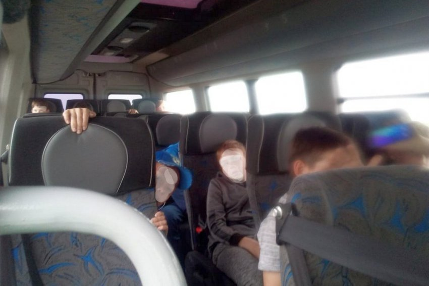 Юных спортсменов перевозили в фургоне
