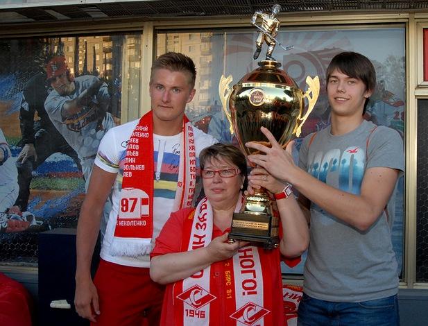 «Металлург» пополнился московским хоккеистом