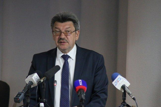 Александр Хохлов написал заявление об увольнении