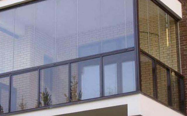 С жильцов брали плату за отопление балкона