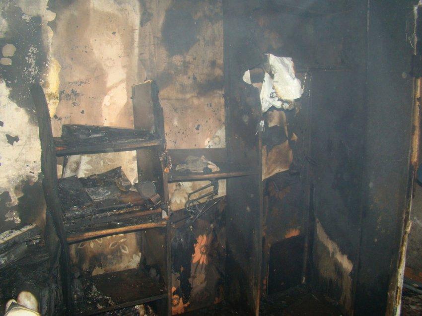 От огня лопались стёкла