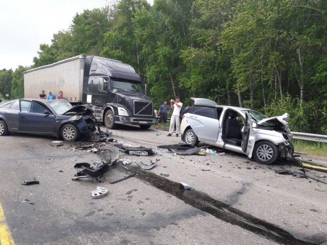 В Башкирии в жутком ДТП пострадали семь человек