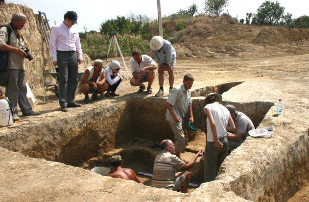 Магнитогорские археологи работают в свой праздник