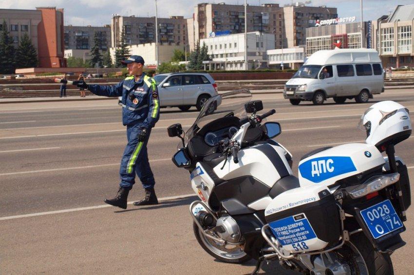 Пьяного мотоциклиста поймали полицейские