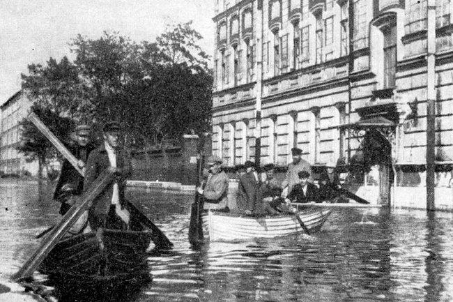 94 года назад Нева затопила Ленинград