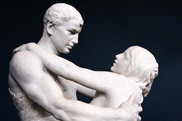 У Скульптуры нет языка