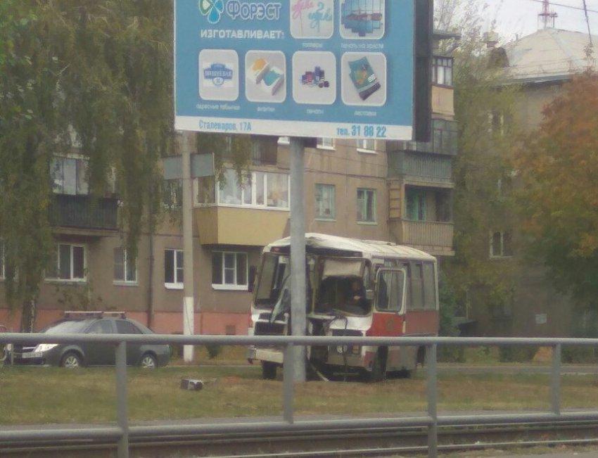 Во время движения у автобуса отказали тормоза