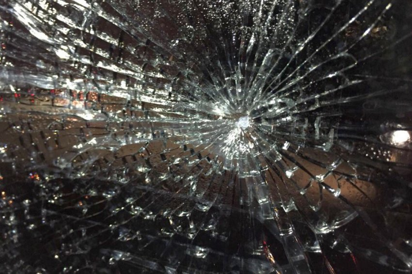 Автобус с магнитогорскими хоккеистами расстрелял неизвестный
