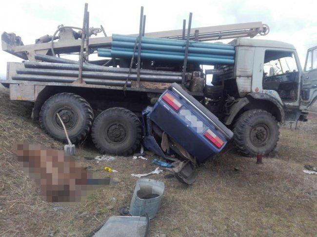 Водитель и пассажир скончались до приезда скорой