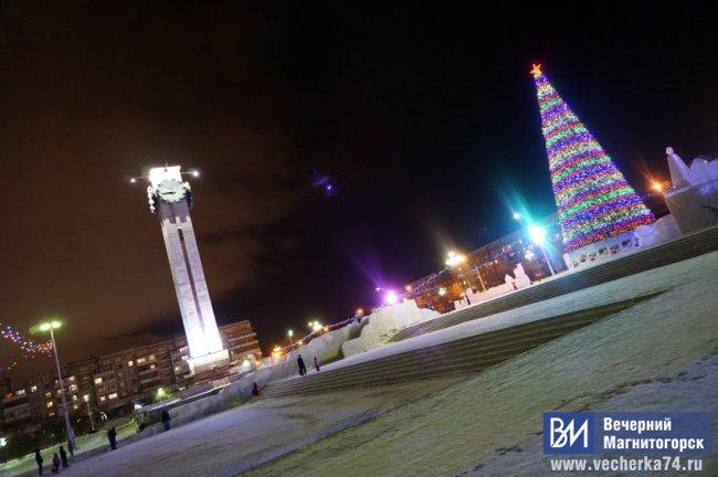 Дед Мороз, Снегурочка и мёртвая царевна
