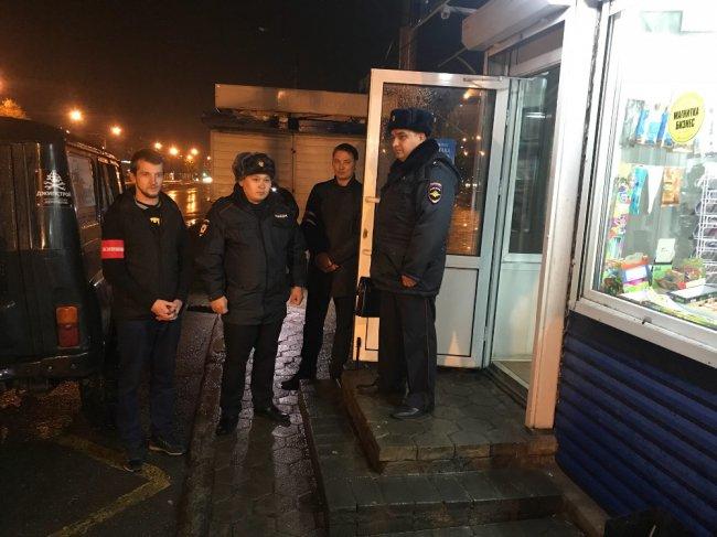 Полицейские задержали двоих, находящихся в федеральном розыске