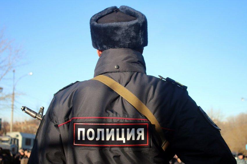 Молодой человек украл люки тепловых камер в посёлке Цементников