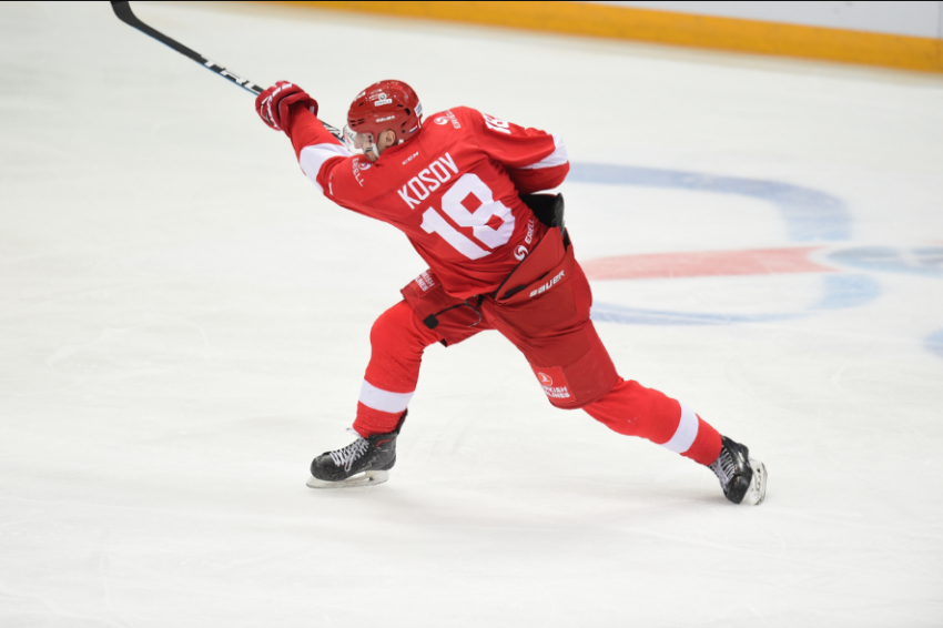 Взлёты и падения дня в российском хоккее