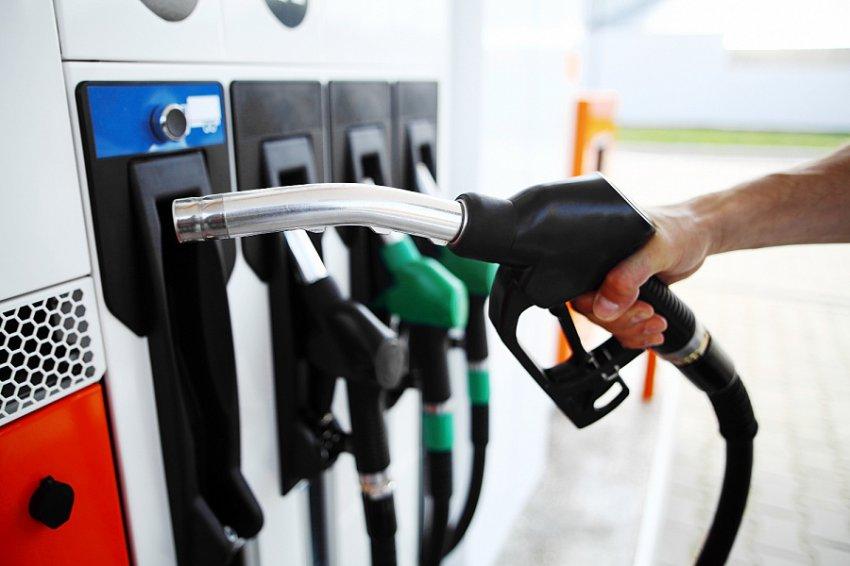 Производители снизили цены на бензин