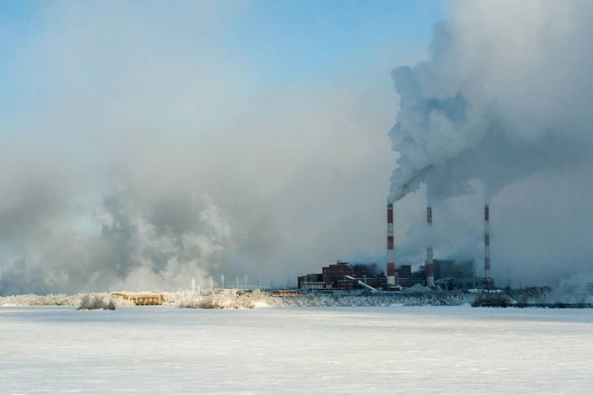 Владимир Путин требует ограничить выбросы в атмосферу