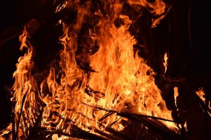 Мужчина и женщина погибли при пожаре