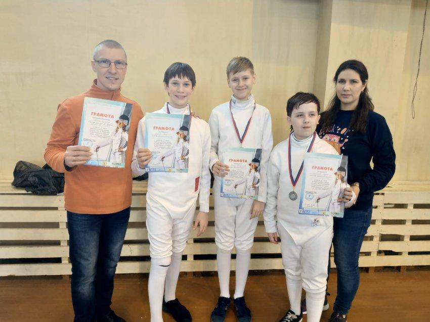 Юные фехтовальщики вернулись с победами