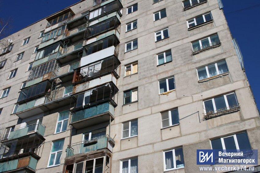 В подъездах дома Карла Маркса, 164 сделали косметический ремонт