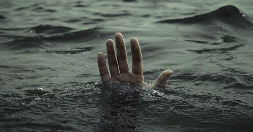 Не успели спасти. Мужчина за секунду ушёл под воду