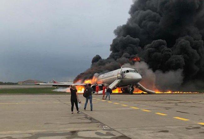 При пожаре в Шереметьево погибло более 40 человек