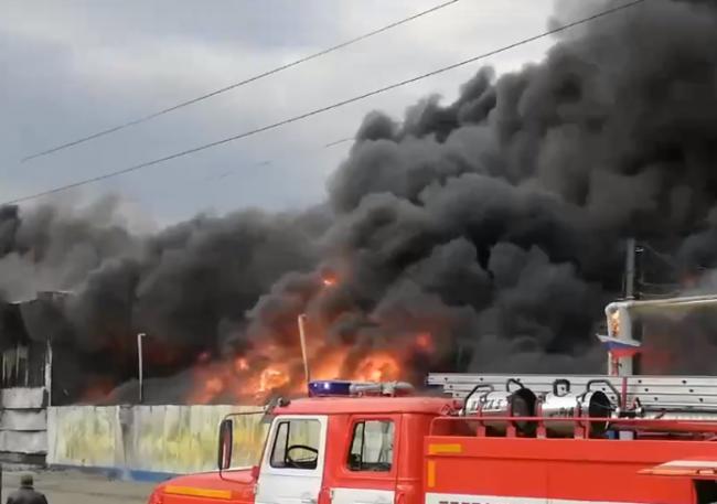 В Магнитогорске случился крупный пожар