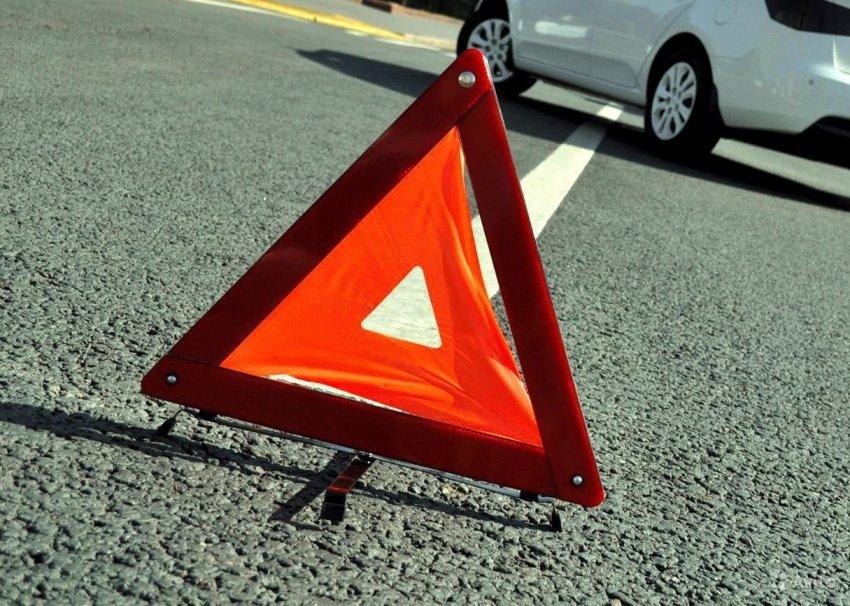 Автолюбитель сдавал назад и сбил пешехода