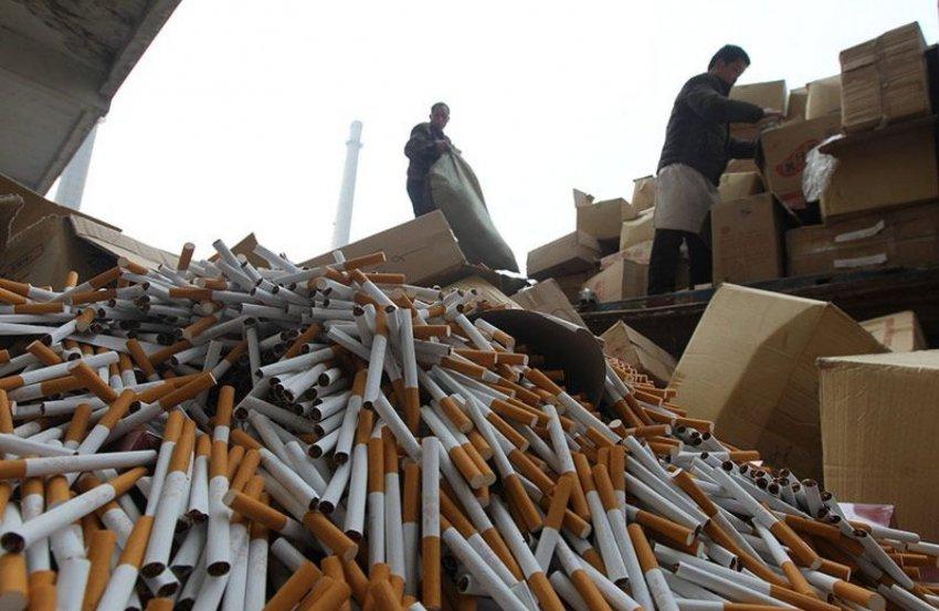 На таможне задержали крупную партию контрафактных сигарет