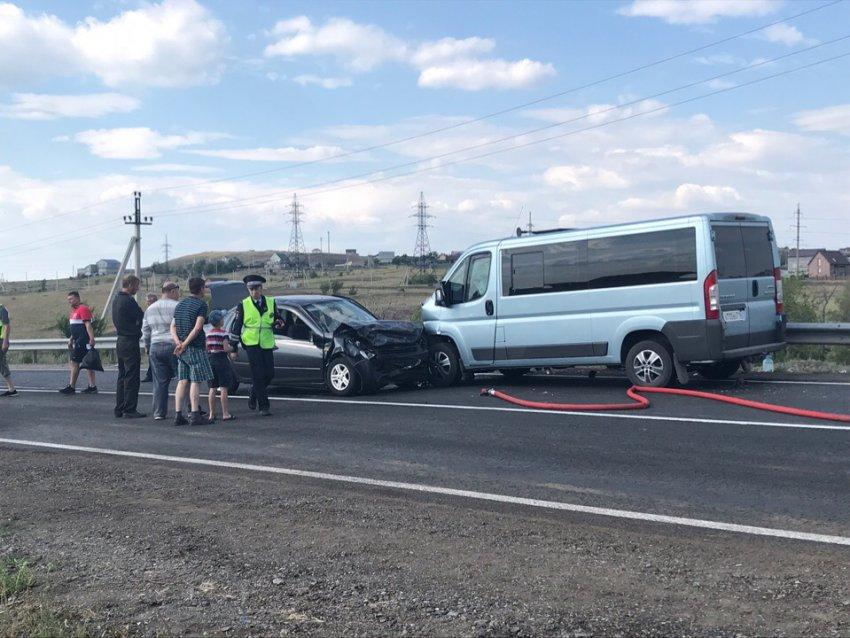 В страшном ДТП пострадали восемь человек