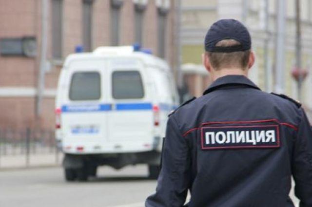 Полицейские ищут наркотики