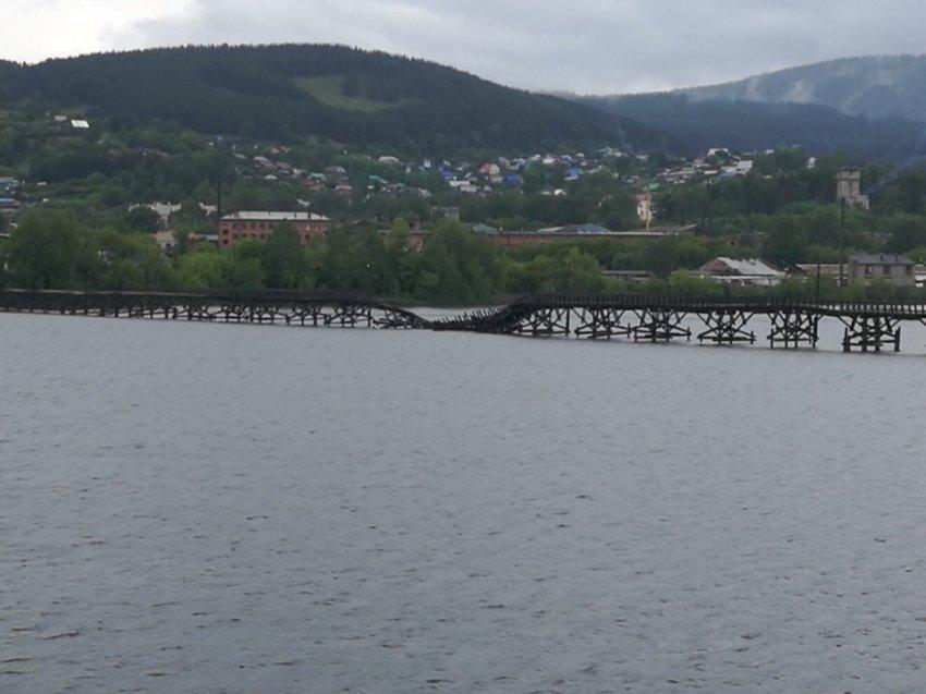 В Белорецке рухнул самый длинный деревянный мост в России